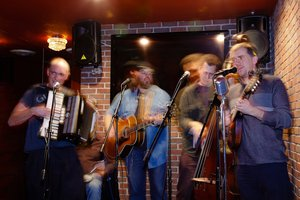 THE ROLLING TUMBLEWEEDS with Tribesman Curtis Becraft on accordion
